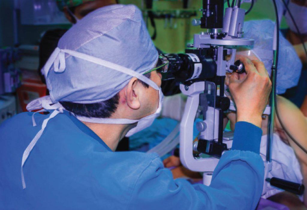 tratamiento laser para retinoblastoma en Retinokids